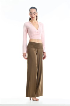 Pantalone a palazzo in micromodale traspirante con risvolto regolabile. Ideale per premaman.